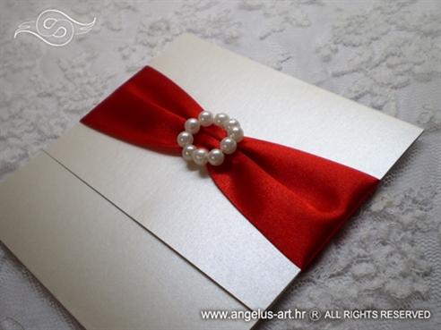 bordo crvena pozivnica za vjenčanje s perlicama