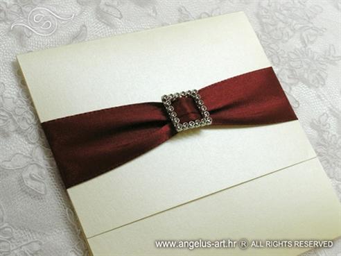 bordo krem pozivnica za vjenčanje s brošem i satenskom trakom