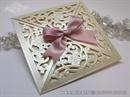 laserski rezana krem pozivnica sa roza masnom 6102