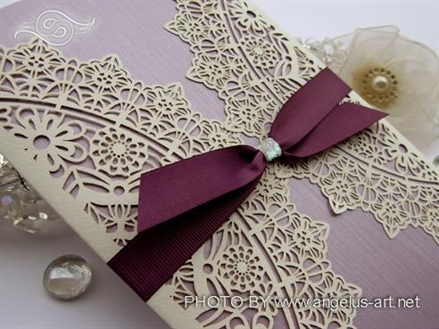 laserski rezana lila moderna pozivnica za vjencanje