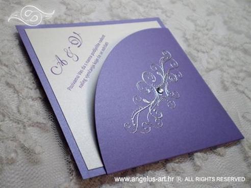 ljubičasta pozivnica za vjenčanje u obliku dijamanta