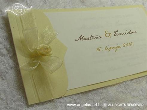 natural krem pozivnica za vjenčanje s organdij mašnom i ružom