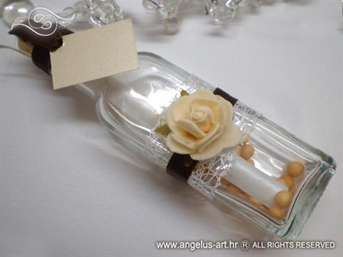 poruka u boci kao pozivnica sa smeđom trakom i krem ružom