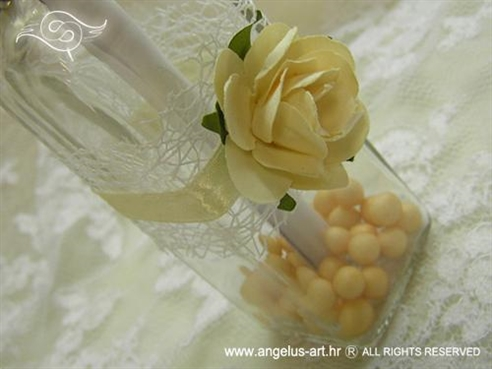 pozivnica u boci krem ruža s mrežom