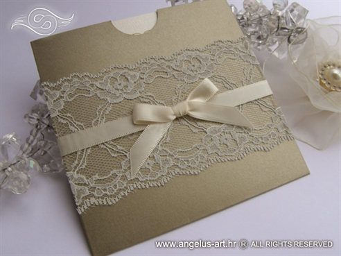 pozivnica za vjencanje sa cipkom u zlatno krem boji