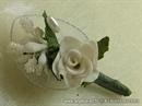 Kitica za rever za goste vjenčanja - White Petal Rose