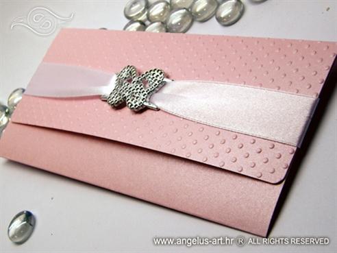 roza pozivnica za vjenčanje s točkicama i brošem leptirom