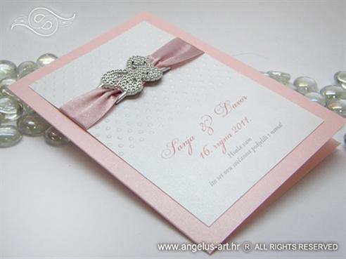 roza zahvalnica za vjenčanje s točkicama i leptirom