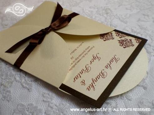 smeđa pozivnica za vjenčanje s damask uzorkom