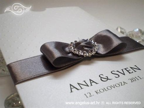 srebrna ekskluzivna pozivnica za vjenčanje s brošem i mašnom na izvlačenje