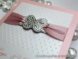 zahvalnica ružičasto bijela s 3D točkama i srebrnim leptirom
